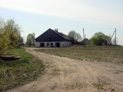 Good driveway to farm in Trakai